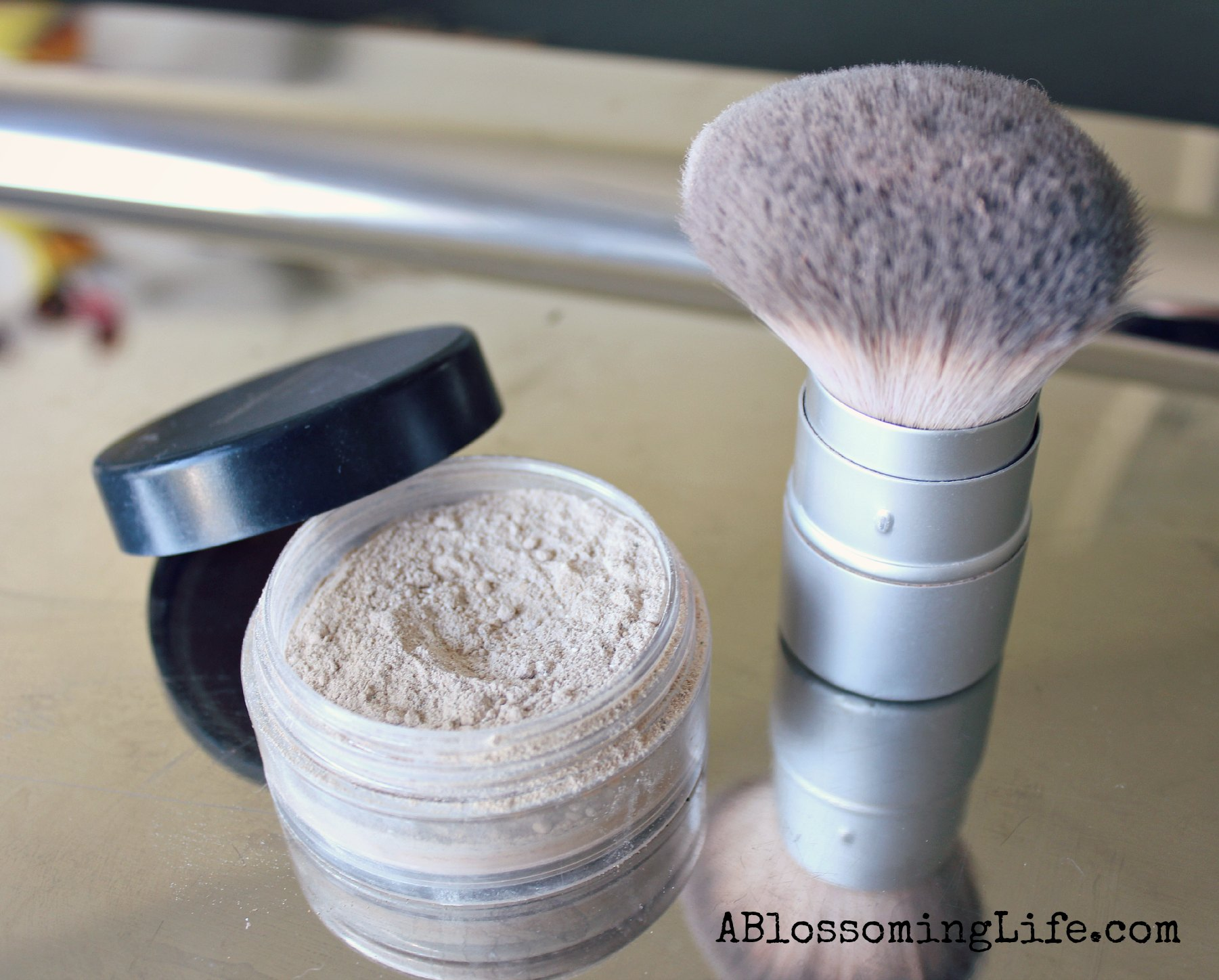 DIY Powder Foundation