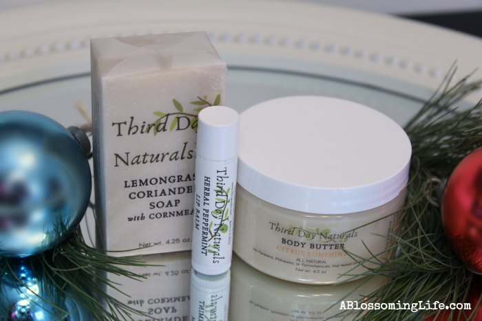Holiday Giveaway with Third Day Naturals!