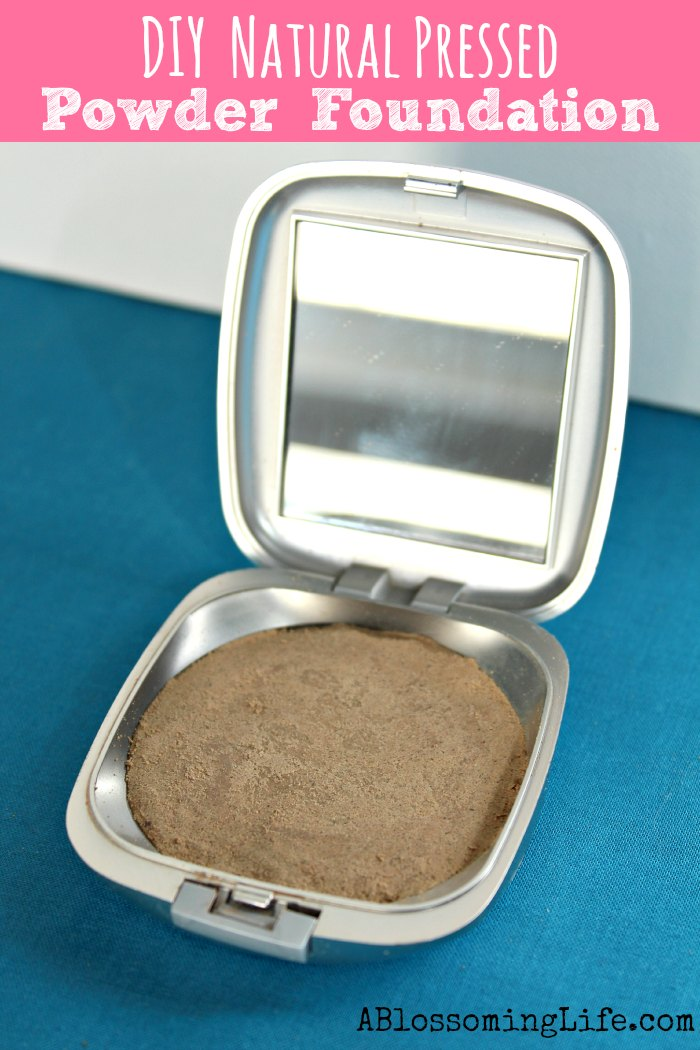 DIY Natural pressed foundation