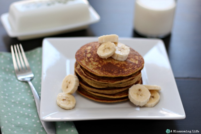 Banana Oatmeal Pancakes {Gluten Free}