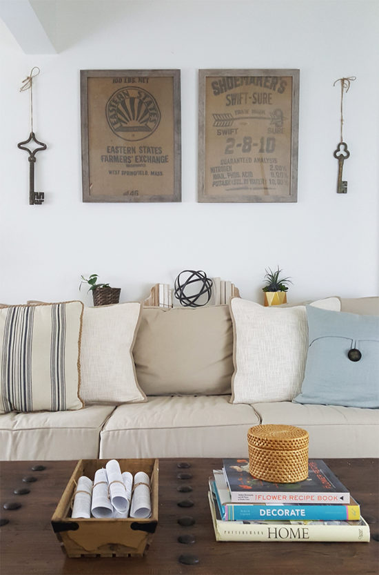 diy-wall-decor-ideas-framed-burlap-the-honeycomb-home-550x833